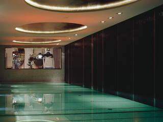 Piscinas de estilo moderno de Davide Rizzo Moderno