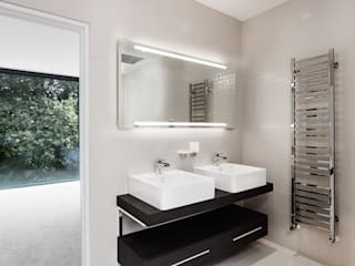 AR Design Studio- Abbots Way: modern Bathroom by AR Design Studio