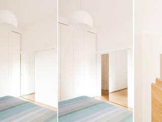 CASA PRIVATA 01 - ristrutturazione d'interni: Camera da letto in stile in stile Moderno di 81millimetri