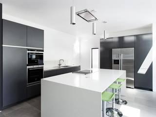 Nhà bếp by AR Design Studio