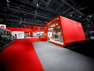 Messeauftritt der Heidelberger Druckmaschinen AG in Birmingham Modernes Messe Design von stengele+cie. Modern