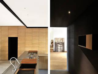 wood and iron apartment:  in stile  di LCArchitetti