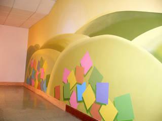 Mural realizado sobre pared. Hospital Nuestra Señora de La Candelaria. Santa Cruz de Tenerife:  de estilo  de MURALES MARAVILLOSOS