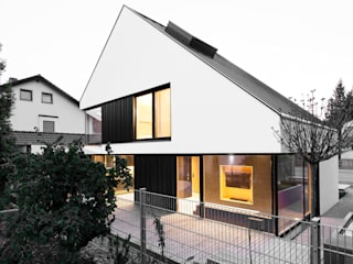 Houses by FORMAT ELF ARCHITEKTEN, Modern