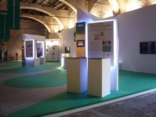 Allestimento Schneider Electric - Stazione Leopolda Firenze Allestimenti fieristici moderni di Studio Arch. Matteo Calvi Moderno
