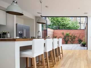 Courtyard House - East Dulwich Modern kitchen by Designcubed Modern