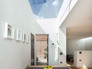Courtyard House - East Dulwich Modern dining room by Designcubed Modern
