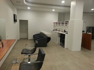 Reforma de local comercial. Salones de estilo moderno de MUMARQ ARQUITECTURA E INTERIORISMO Moderno