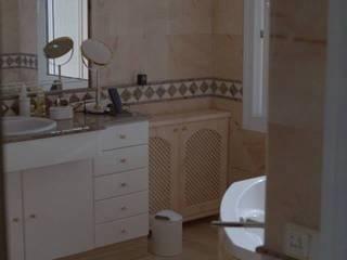 Badgestaltung Mediterrane Badezimmer von Illusionen mit Farbe Mediterran