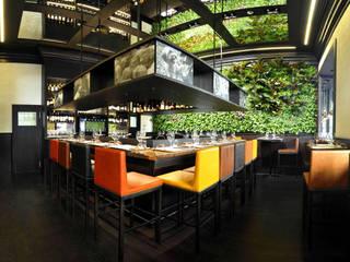 nature.. green design: Bar & Club in stile  di Architettura & Servizi
