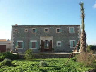 AF Casas de estilo mediterráneo de Fincas Cassiopea Group / FCG Architects Mediterráneo