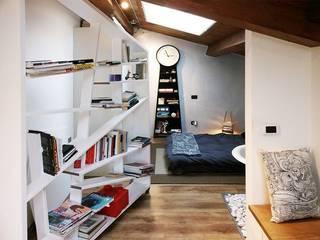 Spazio MINI :: la mansarda di Stella Camera da letto moderna di Spazio 14 10 di Stella Passerini Moderno