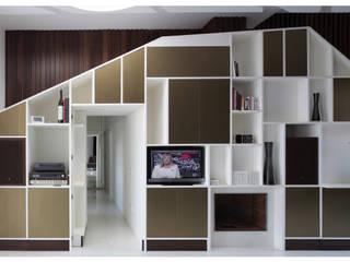 Living room by Garbadellarchitetti