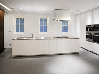 Hyde Park Mews Modern Kitchen by Gregory Phillips Architects Modern