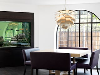 Totteridge by Gregory Phillips Architects Еклектичний