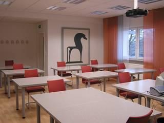 Schulungsraum:  Multimedia-Raum von B a r b a r a V o l m e r Interieur Design