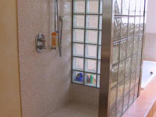 Dusche:  Badezimmer von B a r b a r a V o l m e r Interieur Design