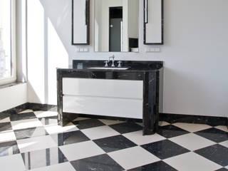 Classic style bathroom by Pientka - Faszination Naturstein Classic