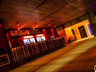 Bar & Klub Modern Oleh Mascarenhas Arquitetos Associados Modern