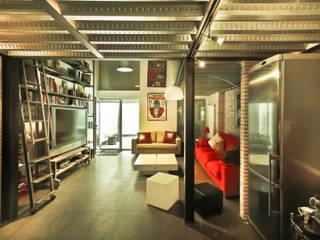 Reforma de un despacho profesional para un actor: Salones de estilo industrial de Pablo Echávarri Arquitectura