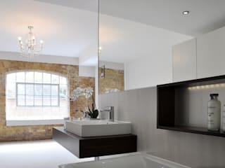 Modern Open Plan En Suite:  Bathroom by Studio TO
