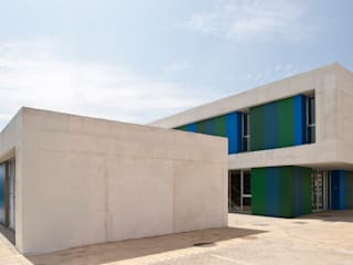 Office and Service Building in Port of Roquetas de Mar, Almería, Spain Donaire Arquitectos Kantor & toko