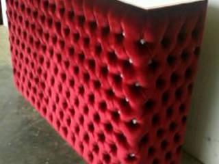 meuble de bar en velours rouge capitonné:  de style  par déco privé