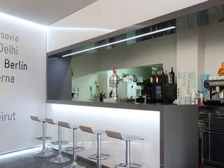 Cafeteria Capital Bares y clubs de estilo moderno de Binomio Estudio Moderno