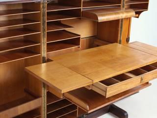 Möbel/Schreibbüro von Mummenthaler & Meier. von func. functional furniture Rustikal