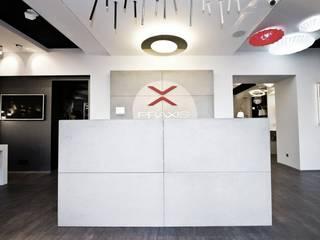 TG STUDIO Spazi commerciali in stile minimalista