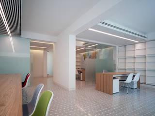 Modern offices & stores by Giorgio Pettenò Architetti Modern