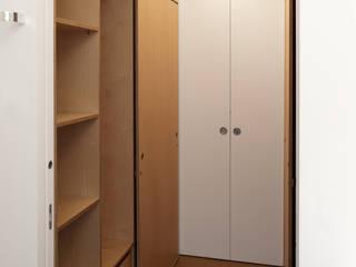 Phòng thay đồ by Giorgio Pettenò Architetti