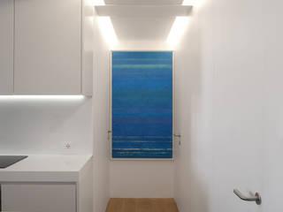 Pasillos y recibidores de estilo  por Giorgio Pettenò Architetti