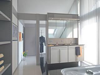 Einfamilienhaus in Steinheim Moderne Badezimmer von DAVINCI HAUS GmbH & Co. KG Modern