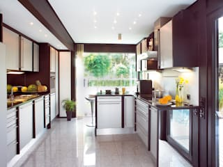 Kitchen by DAVINCI HAUS GmbH & Co. KG