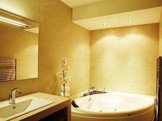 Banheiros modernos por Agence KP Moderno