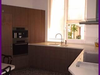 appartement haussmanien Paris 16: Cuisine de style  par Agence KP