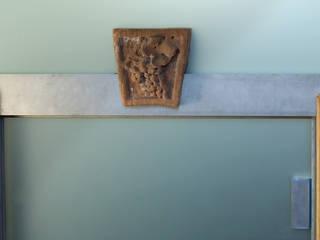 Eingangsbereich Jugendstiltreppenhaus:  Flur & Diele von archikult