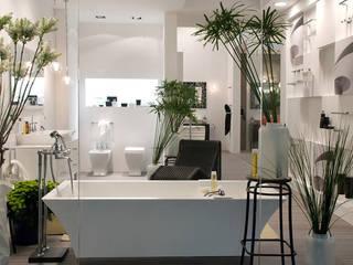 stand Regia : Bagno in stile  di Lucarelli Rapisarda Architettura & Design