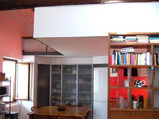 Salas de estilo moderno de Lucarelli Rapisarda Architettura & Design Moderno
