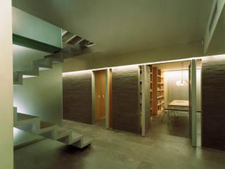Pasillos, vestíbulos y escaleras de estilo moderno de G. Giusto - A. Maggini - D. Pagnano Moderno