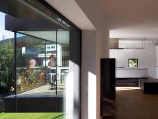 Salas de estilo  por bergmeisterwolf architekten