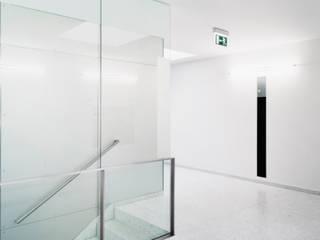 Офисы и магазины в . Автор – Marius Schreyer Design