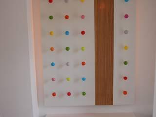 """Designgardrobe Punkt """"Made by Tricfrom"""": moderne Kinderzimmer von tricform"""