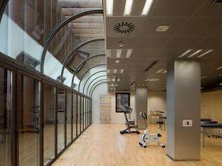 ARESA Clinic Gimnasios domésticos de Octavio Mestre Arquitectos