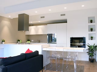 Laura Lucente Architetto Modern style kitchen