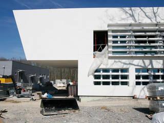 by Octavio Mestre Arquitectos