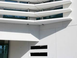 Oficinas y Tiendas de estilo  por Octavio Mestre Arquitectos