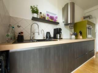 Moderne Küche im Altbau Moderne Küchen von tRÄUME - Ideen Raum geben Modern