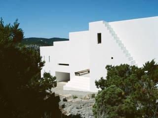 Maisons de style  par Ramón Esteve Estudio